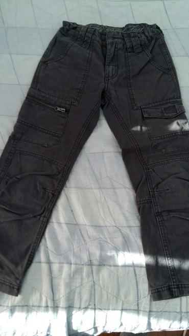 Dečije pantalone vel.8god (polovne i bez ostecenja),boja tamno - Petrovac na Mlavi