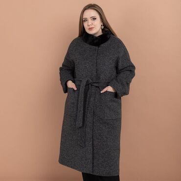 женское пальто в Кыргызстан: Пальто зимнее женскоеи фирмы Loreta Длина: 112,0 см (для