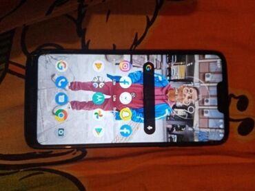 Mobilni telefoni | Valjevo: Motorola g7 power 2019 kupljena pre 4 meseca Nova I islapa je I napukl