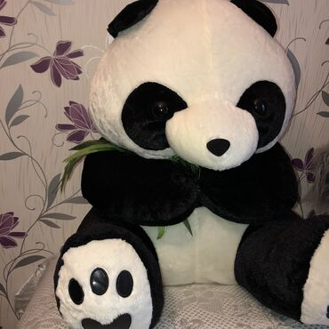 Yumuşaq böyük panda oyuncaq. Ağ çiçəyimdən alınıb yenidir. Hədiyyəlik