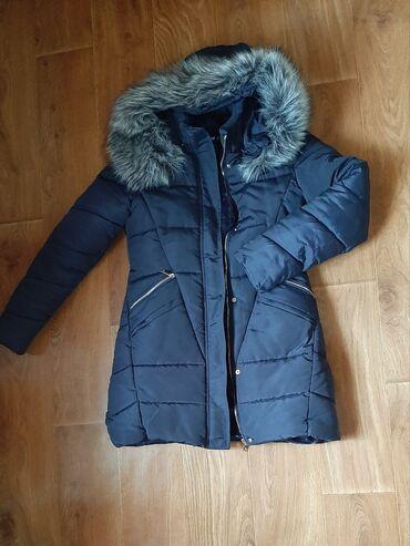 Karirana kosuljica - Srbija: Teget zimska jakna sa bogatim.krznom,vel m.predivna,nosena.jedbu