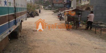 Land having area 0-4-2-1 of 8 meters pitched road face: South, in Kathmandu - photo 2