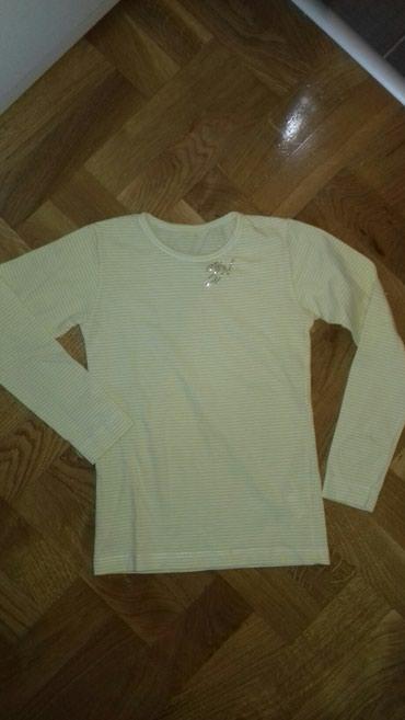 Majica velicina 8 u dobrom stanju - Smederevo