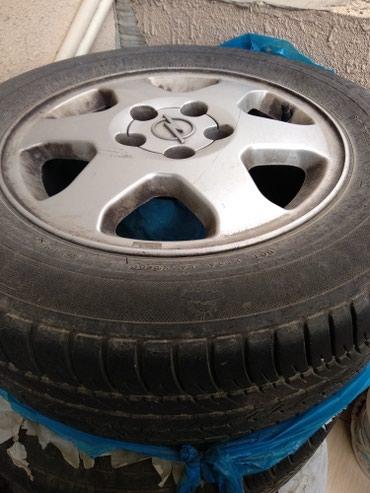 Bakı şəhərində Opel Zafira uchun 4 eded diskli teker. yaxshi veziyyetde. Shin -