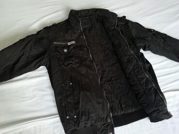 Muske jakne zimske - Srbija: Muška crna zimska jakna XL. Veoma dobro očuvana, malo nošena