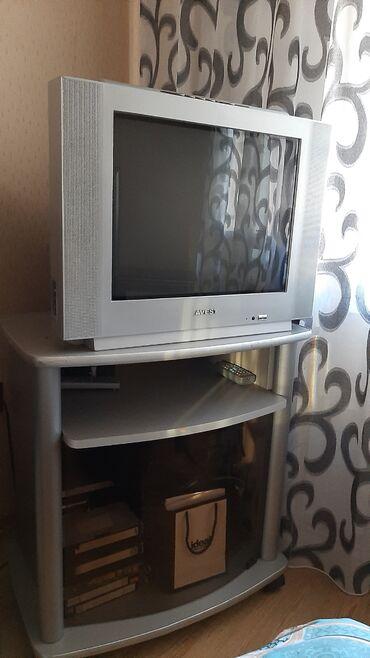 Televizor( 60×45) . İkiside yaxşı vezyettedir. İkisinin qiymeti