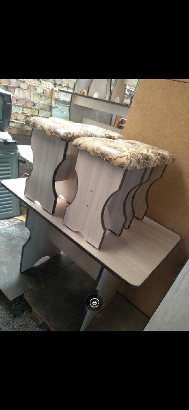 кухонный стол стулья в Кыргызстан: Новые кухонные столы с 4 стулчиками В наличии есть расцветки