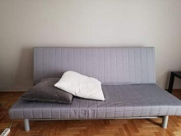 Καναπές κρεβάτι και 2 μαξιλάρες
