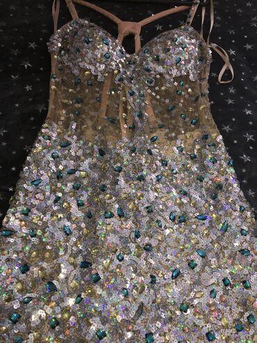 Serry Hill haljinica cela od šljokica. Plaćena 250 eura, dva x