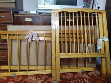 Детский мир - Дачное (ГЭС-5): Детская кроватка, она в разобранном виде,в хорошем состоянии