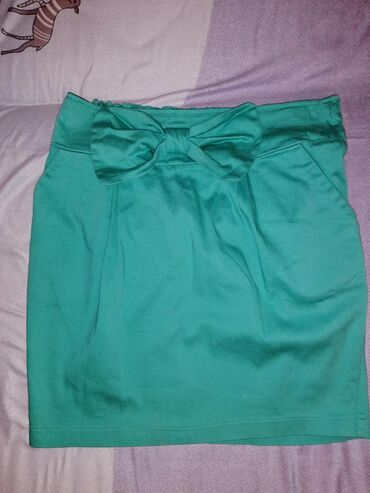 Suknja PRONTO veličina 40, sa dzepovima, 400 din