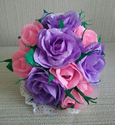 Букет из роз в конусе 12 манат в наличии.в составе конфеты Трюфель