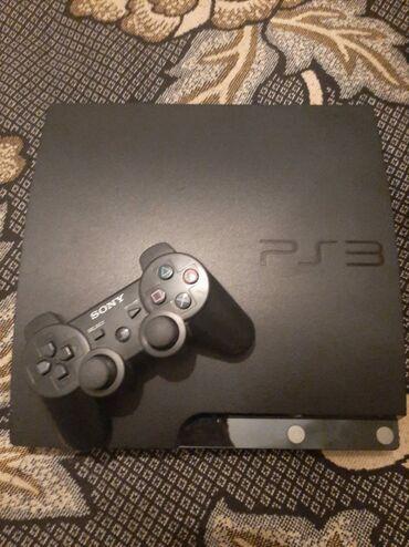 Playstation 3 sazz veziyyetde 1 pultla yaddawinda 5 oyunla elavede