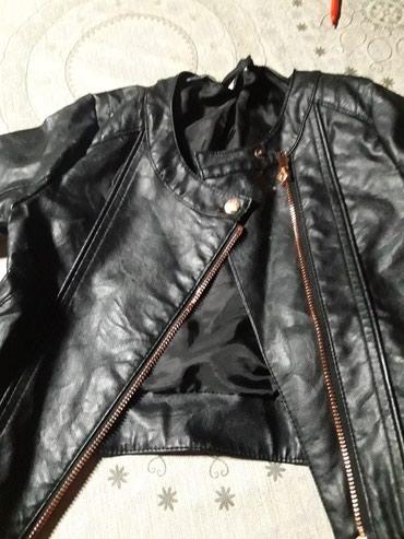 Prelepa hm kozna jaknica vel 116 ocuvana .Model je kraci pa moze i za - Raska