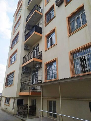 Apartment for sale: 3 bedroom, 121 sq. m