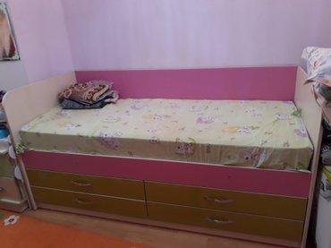 Кровать односпальная с ящиками. В хорошем состоянии. в Бишкек