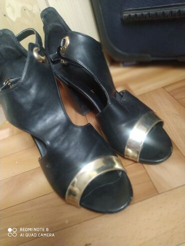Туфли басаножки каблук