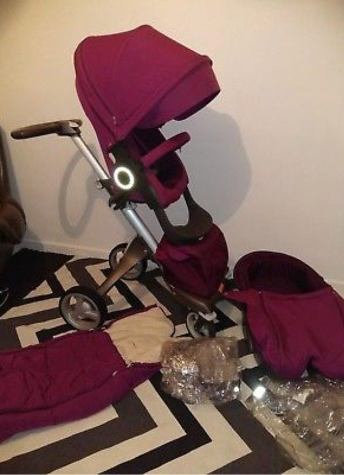Stokke Xplory V4 Purple With Carry Cot , Seat Unit, Footmuff. Photo 3