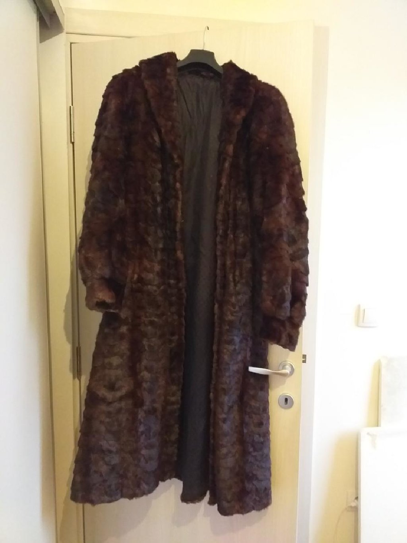 Prirodna bunda, kao nova duga do pola lista od krzna, prelepe braon boje