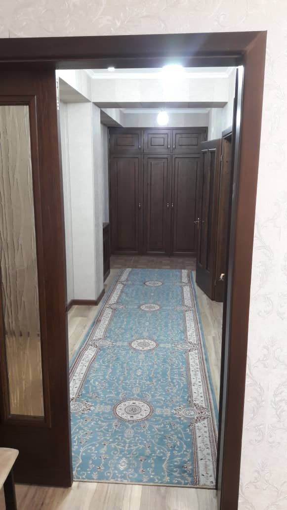 Продается квартира: 2 комнаты, 82 кв. м., Бишкек. Photo 3