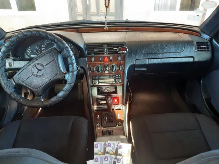 Mercedes-Benz C 180 1998. Photo 1