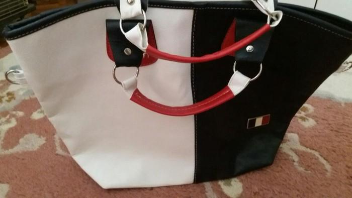 Kao nova Tomi Hilfiger velika torba od eko koze crveno-bela-crna kombinacija