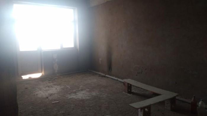 Mənzil satılır: 2 otaqlı, 98 kv. m., Bakı. Photo 2