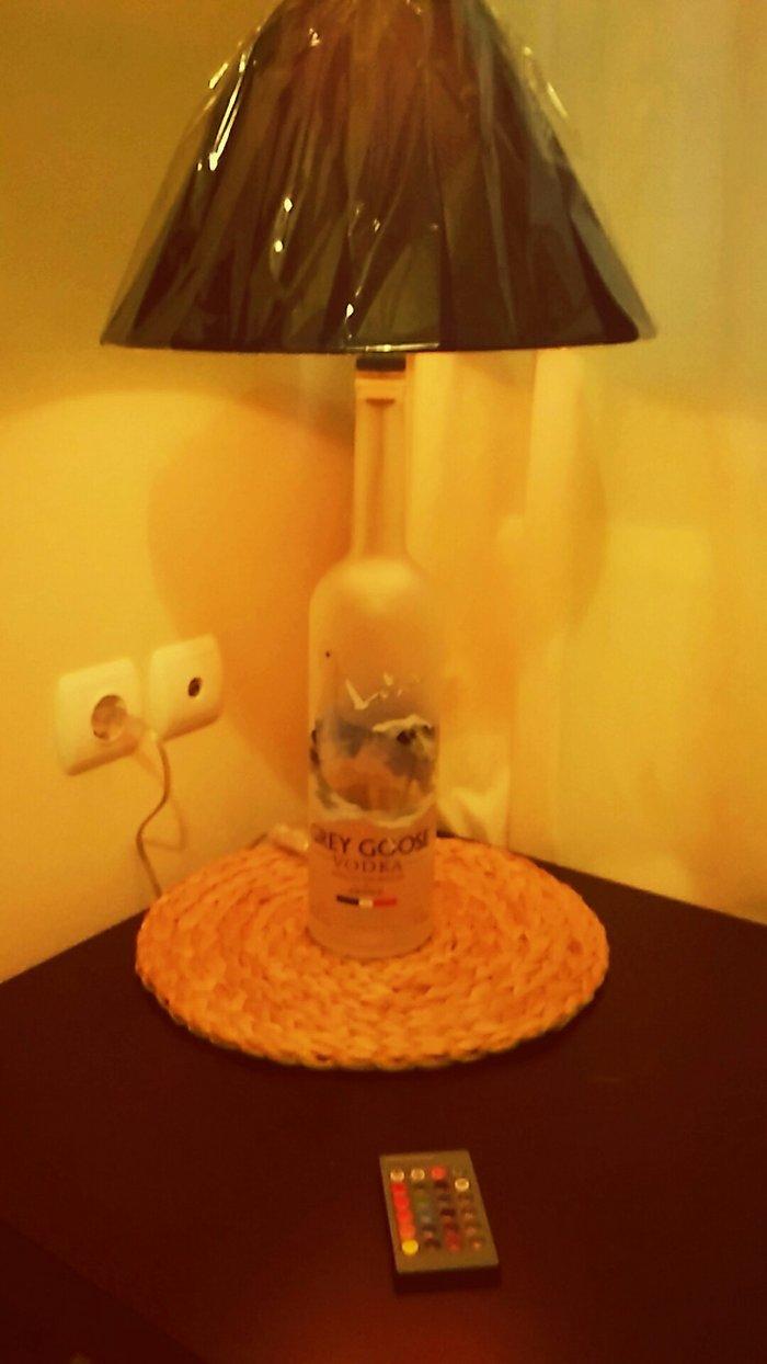 φωτιστικό , χειροποίητο , με μπουκάλι Grey Goose μπλε μεγαλο καπέλο κα σε Γλυφάδα