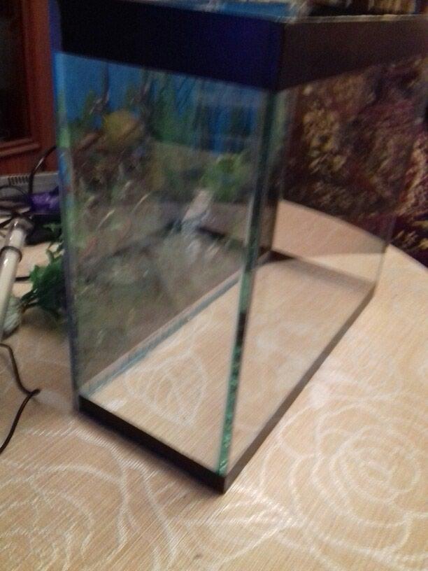 Akvarium.aksesurlari ile bir yerde. eni 15sm.uzunu 35sm. hundr 30sm. Photo 2