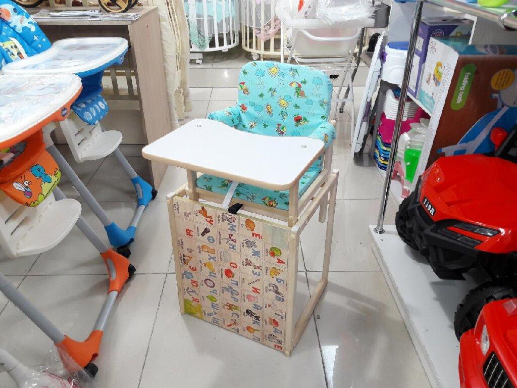 Стул для кормления деревянный трансформируется в парту цена 2500с  магазин Тигруля в торговом центре ТАШ РАБАТ