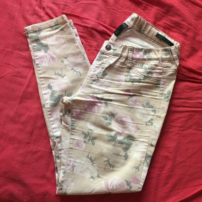 Benetton floral jeggings size 30 in perfect condition. Photo 2