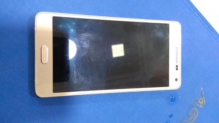 İşlənmiş Samsung A500 16 GB sarı. Photo 0