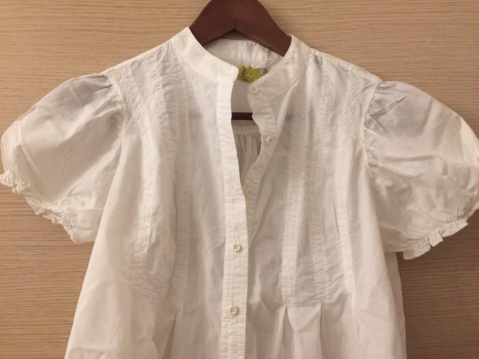 Κοστούμια - Υπόλοιπο Αττικής: Βαμβακερό λευκό πουκάμισο με σουρωτό κοντό μανίκι