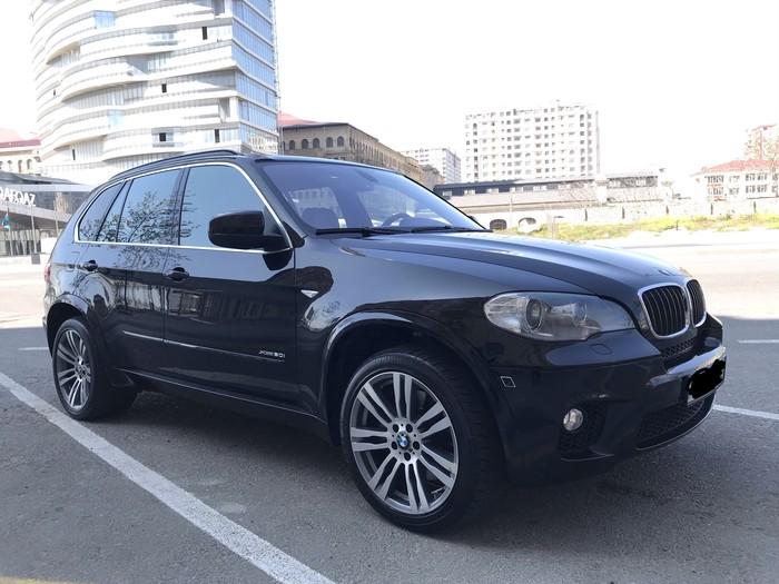 BMW X5 2011. Photo 0