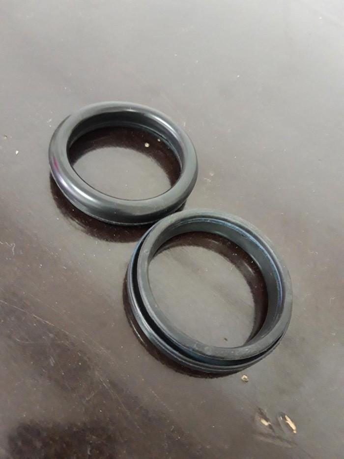 Продаю на БМВ Е34 (резины на торпеда) цена 400с.. Photo 0