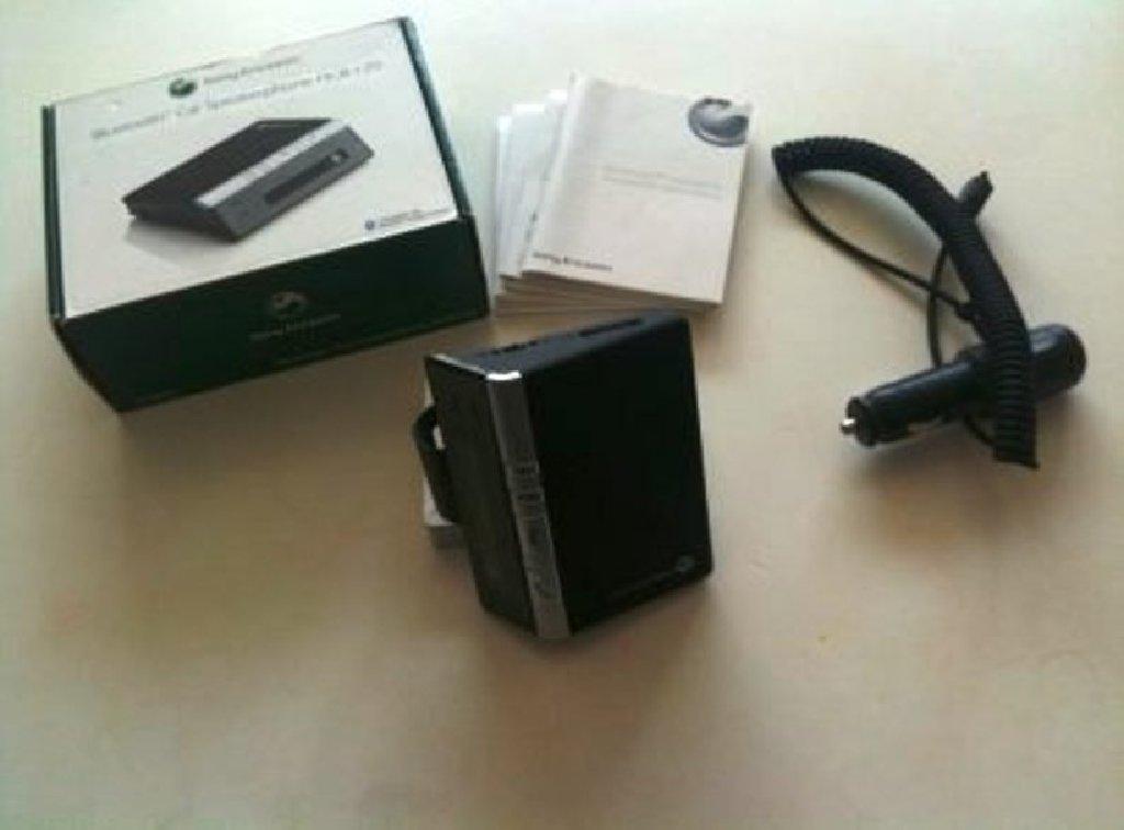 CAR ΚΙΤ Bluetooth αυτοκινήτου Sony Ericsson για ανοικτή ακρόαση, άριστη κατάσταση σαν καινούργιο