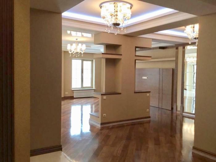 Продается квартира: 4 комнаты, 250 кв. м., Бишкек. Photo 4