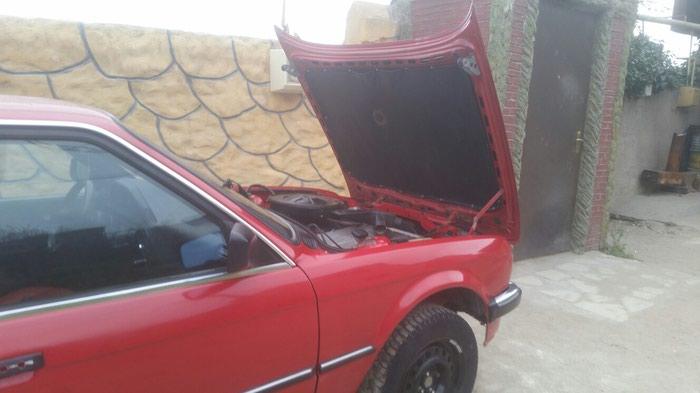 BMW 118 . Photo 3