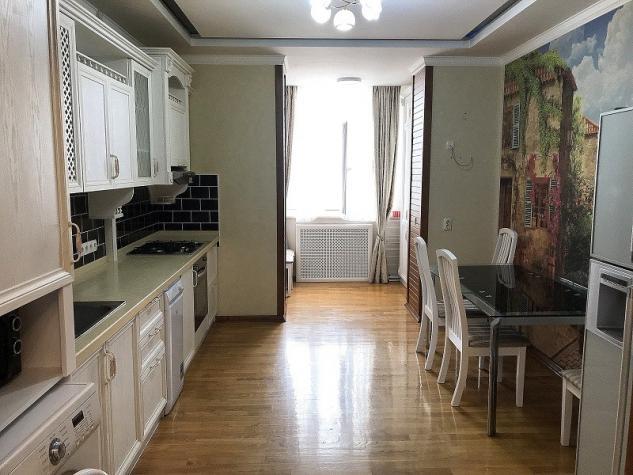 Сдается квартира: 4 комнаты, 145 кв. м., Бишкек. Photo 1