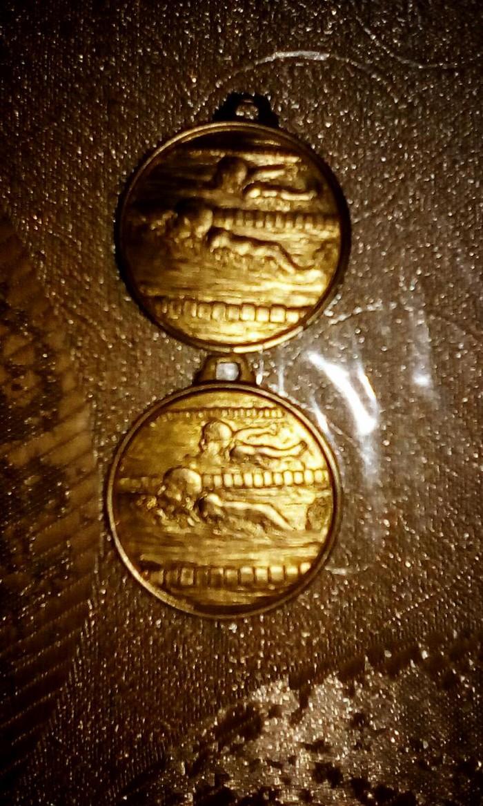 2 χρυσα μεταλλια ολυμπιακων αγωνων κολυμβηση. Photo 2