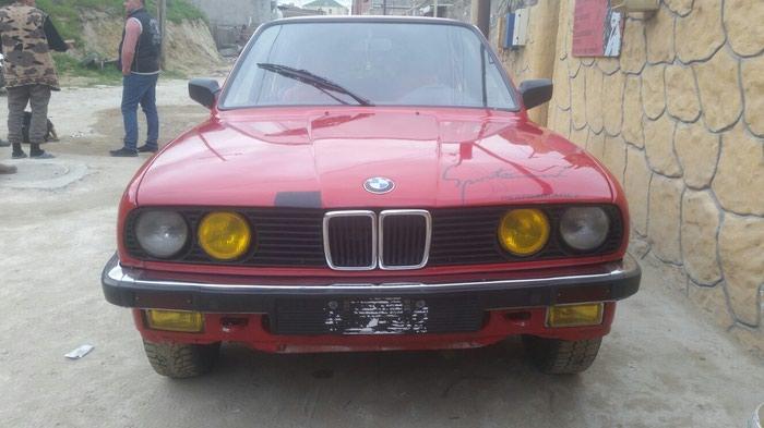 BMW 118 . Photo 2