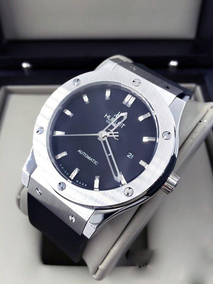 Часы хублот оригинал стоимость часы скупка старинные