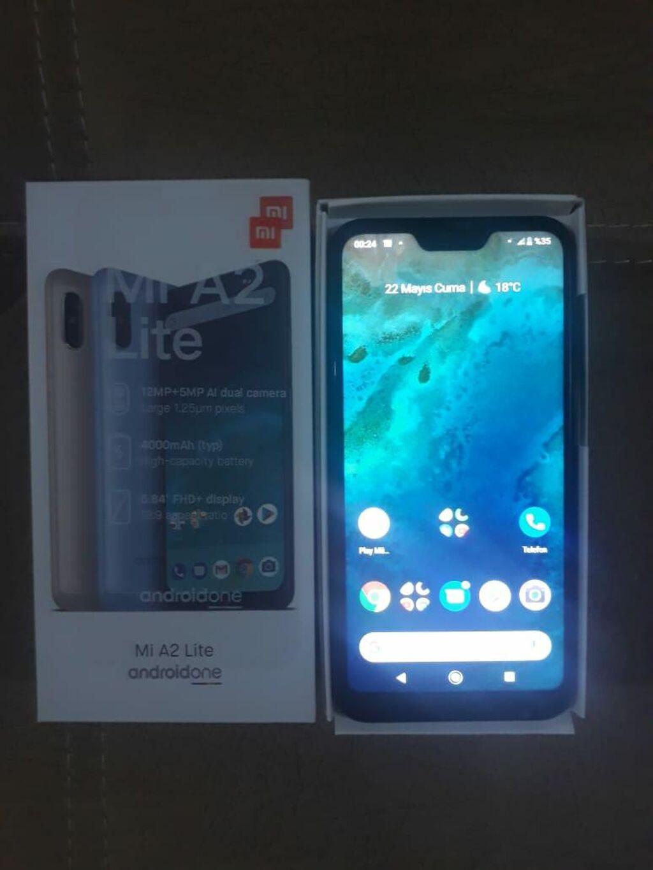 İşlənmiş Xiaomi Mi A2 Lite 64 GB qara