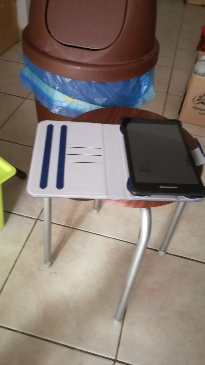 Lenovo tab 2 a8-50 tablet for sale. Cable included.. Photo 2