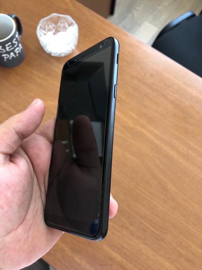 Б/у Samsung Galaxy J6 2018 32 ГБ Черный. Photo 7