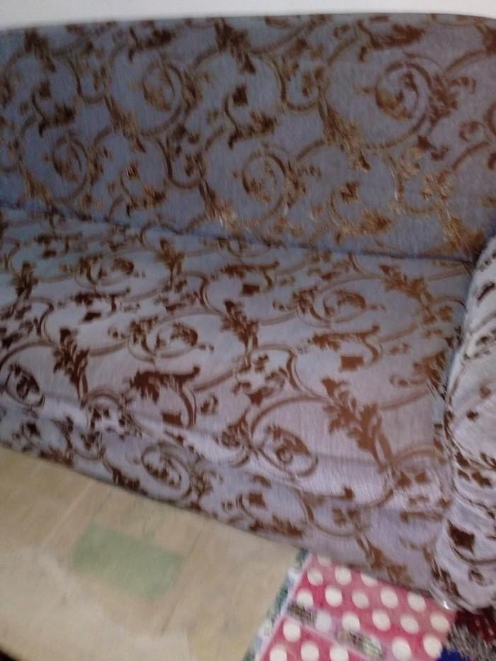 Диван ташкентский в отличном состояние не раскладной ткань драп. Photo 0