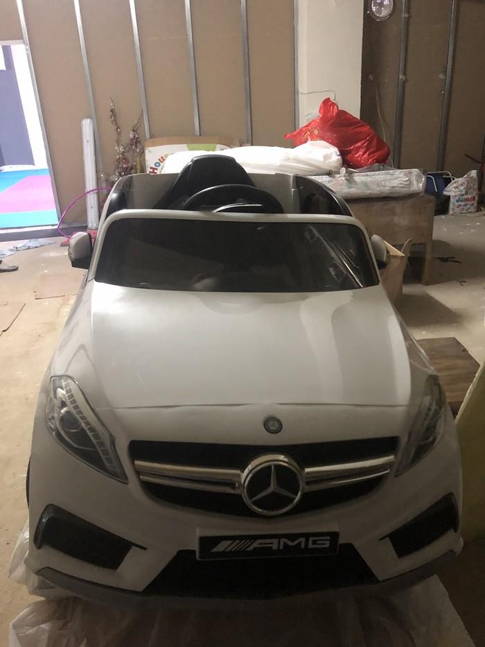 Mercedes-Benz . Photo 1