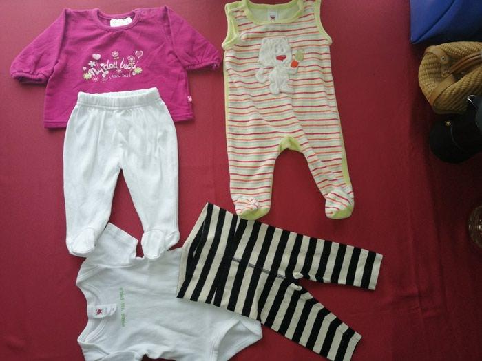 Garderoba za bebe devojčice velicina 62, zeka, pantalonice, bluzica i bodic