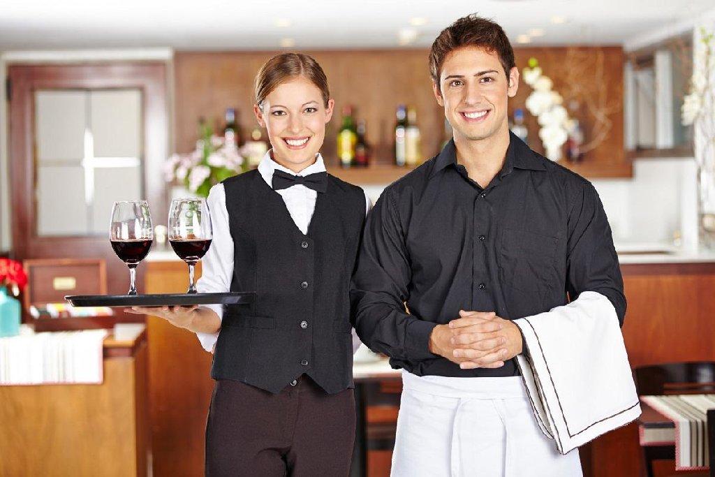 Картинки официантов при обслуживании