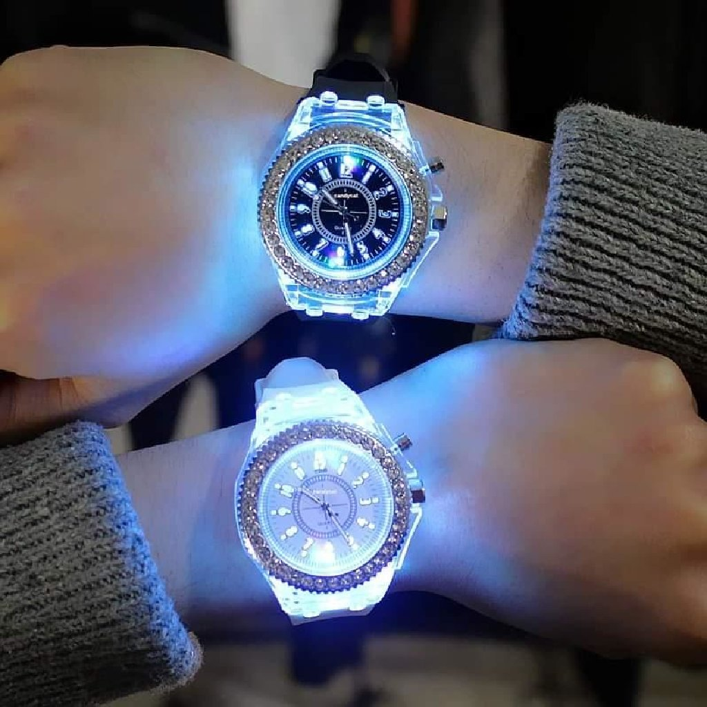 Led sat koji svetli Cena:1.350din